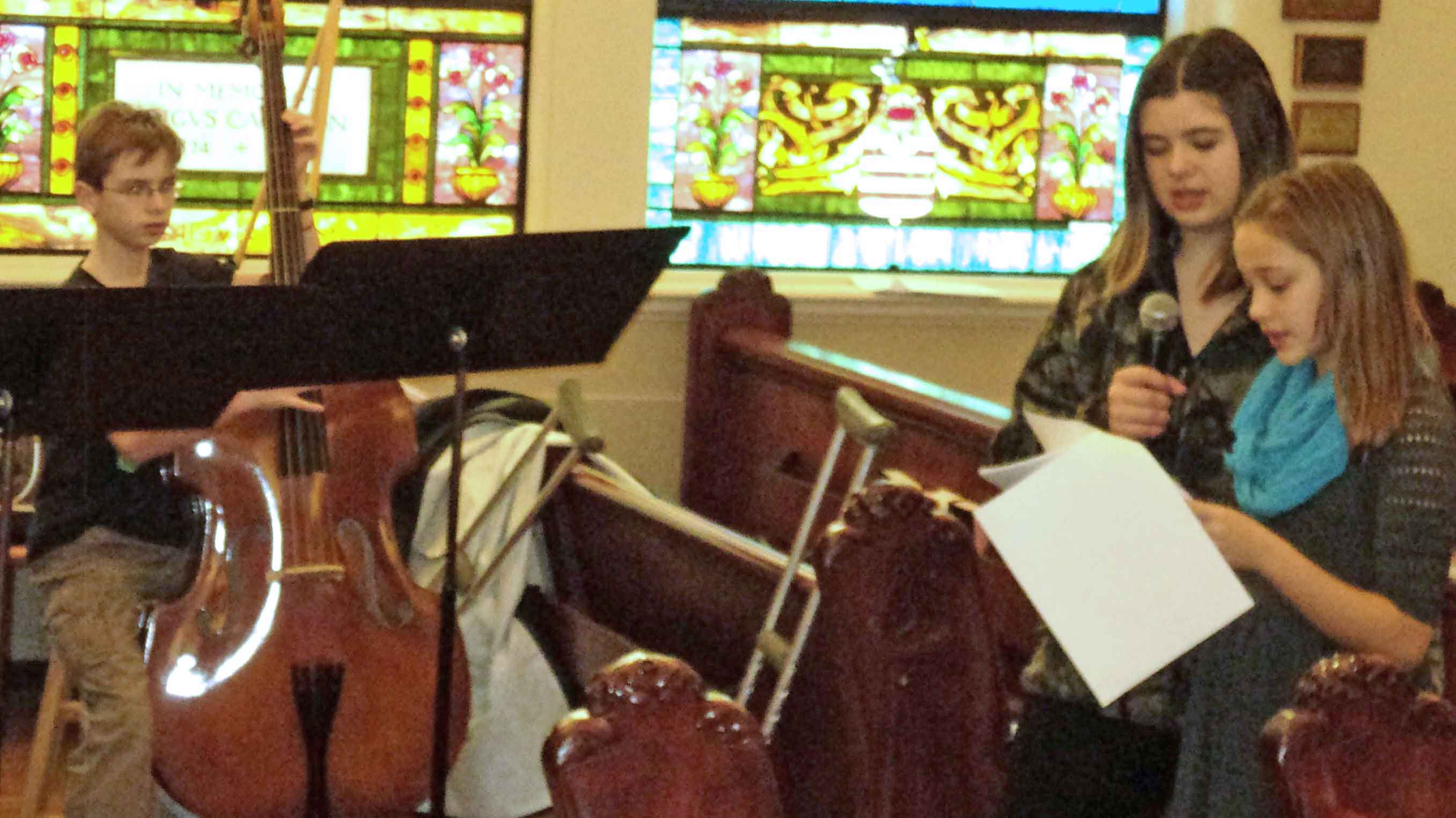 Christ Episcopal Church Teens Rehearse for Mary Did You Know